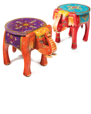 Exceptionnel Handpainted Indian Elephant Coffee Table