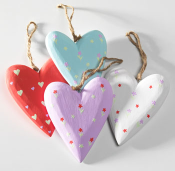 Large Hand Painted Wooden Hanging Heart Gt Decorations
